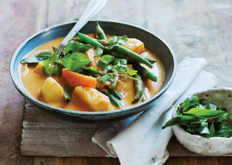 Thai-Green-Bean-Curry-with-Pineapple-and-Sweet-Potatoes-458x326.jpg